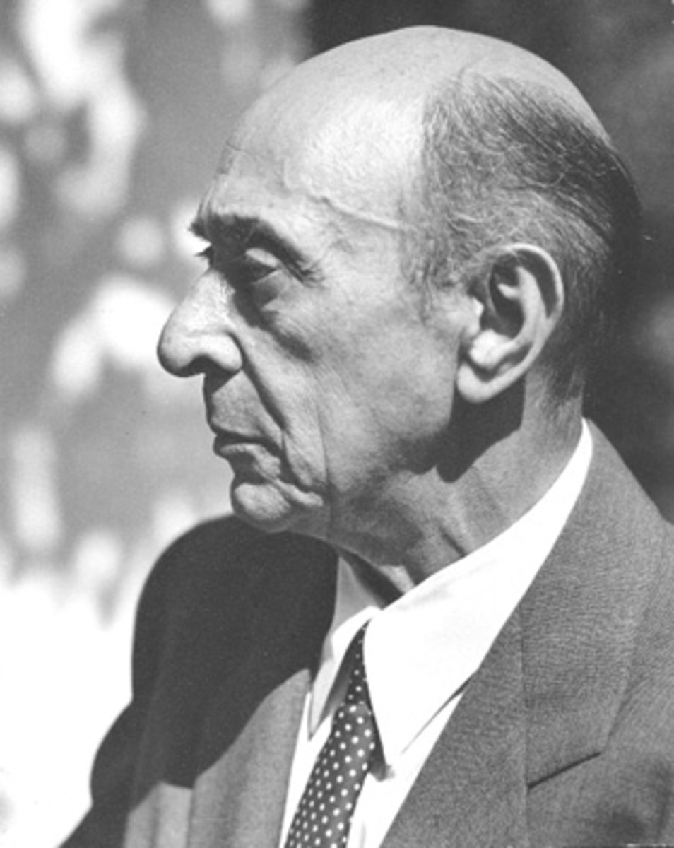 Photo of the Austrian classical composer, Arnold Schoenberg, taken in Los Angeles, 1948.  Retallack believed that discordant modern classical movement was bad for the growth of plants.  The soothing sounds of earlier music was better, she thought.