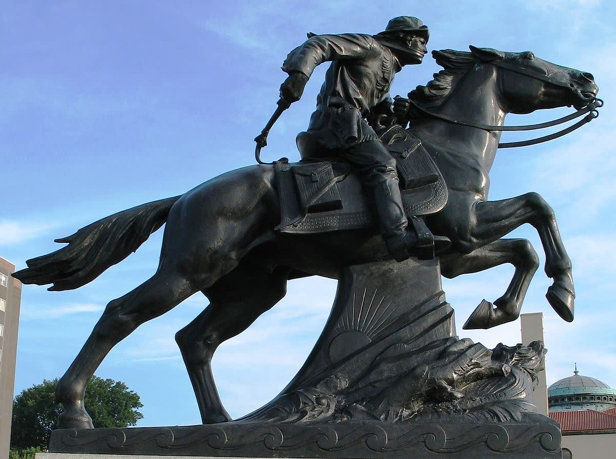 Pony Express statue in St. Joseph, Missouri. Photo by poster in August 2006. Category:St. Joseph, Missouri Category:Buchanan County, Missouri Category:Pony Express