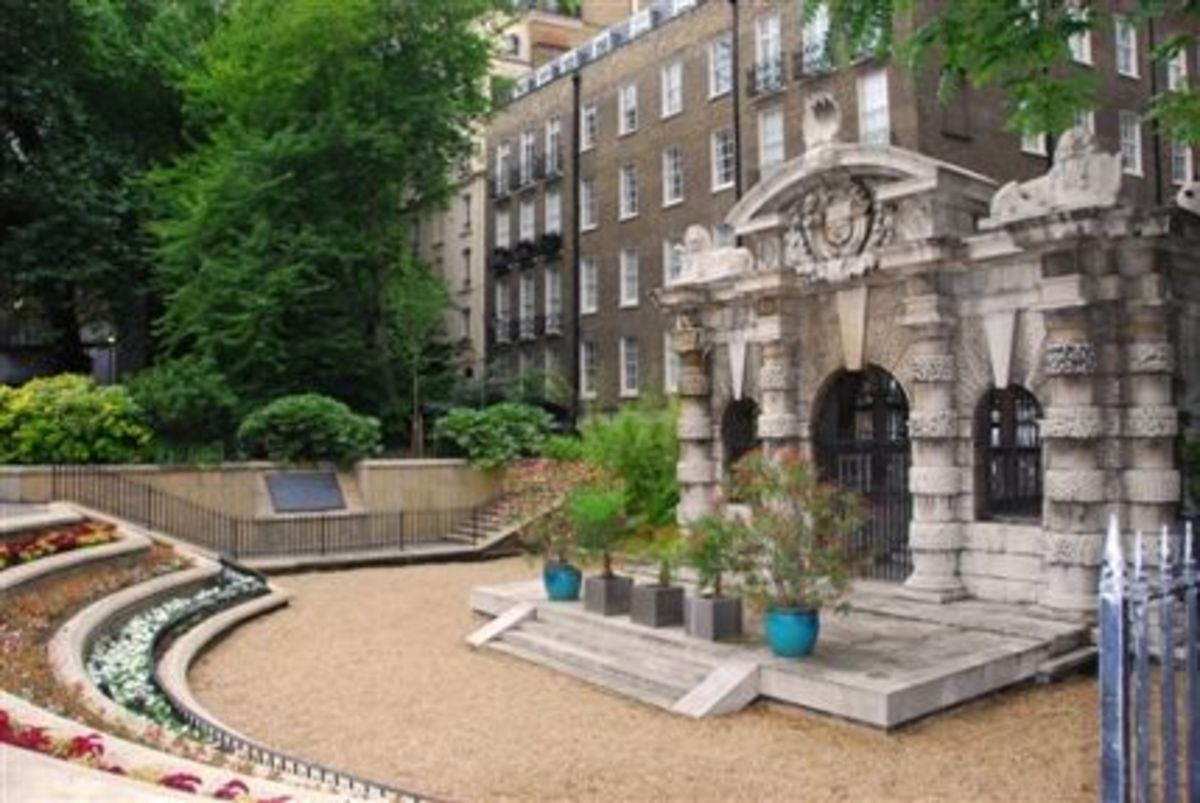 The watergate, Victoria Embankment Gardens
