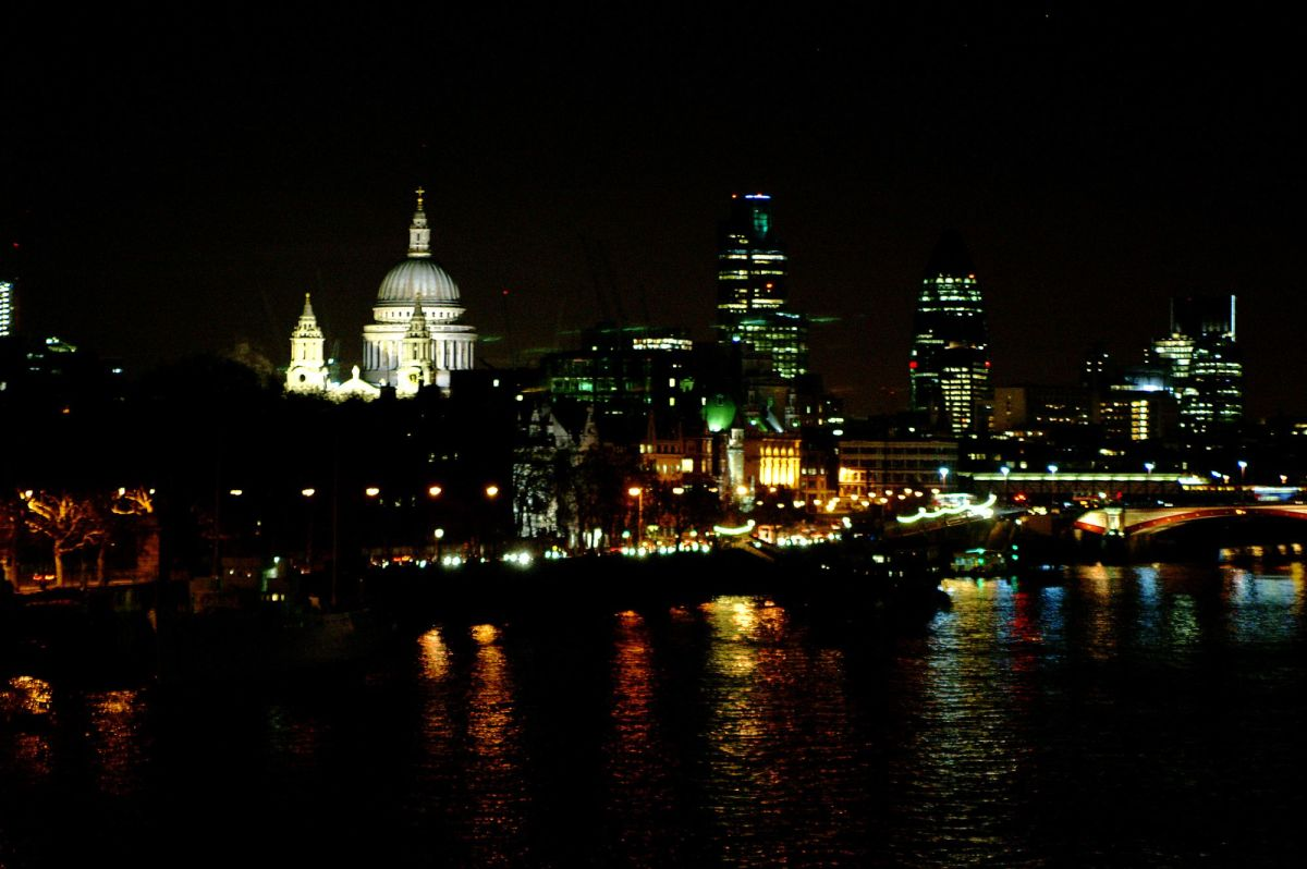 Eastwards view from Waterloo Bridge at night