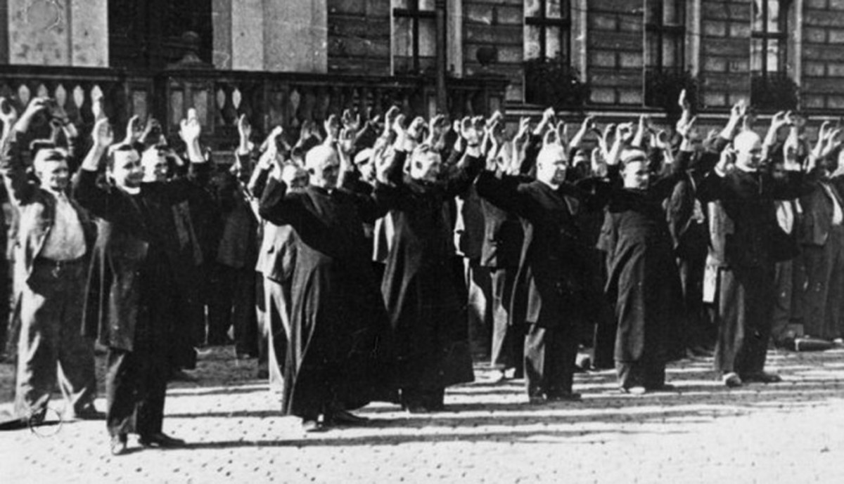 Priests and civilians arrested in Bydgoszcz, Poland