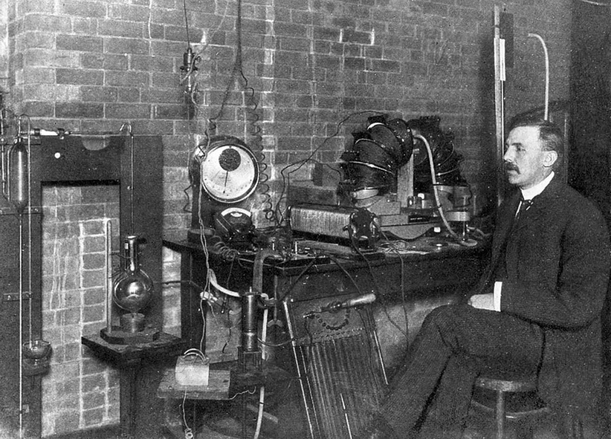 Ernest Rutherford 1905.