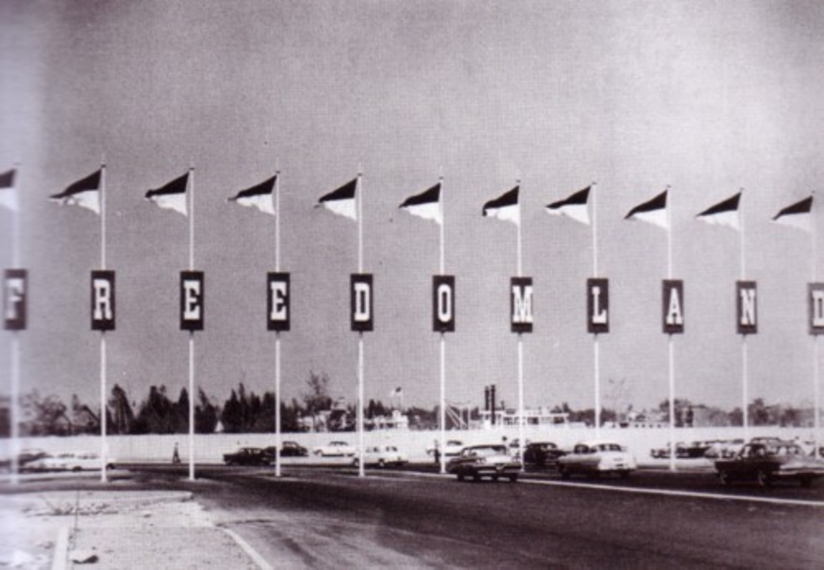 The front entrance to Freedomland U.S.A.