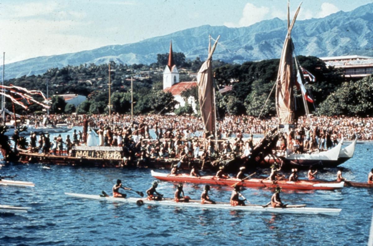 Hōkūle'a's maiden voyage, 1976, Papeete, Tahiti