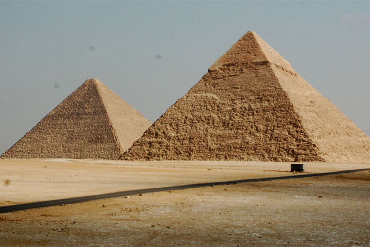 Could the construction of the pyramids, such as the above Pyramids of Khafre and Khufu at Giza, have been inspired by the Benben stone?