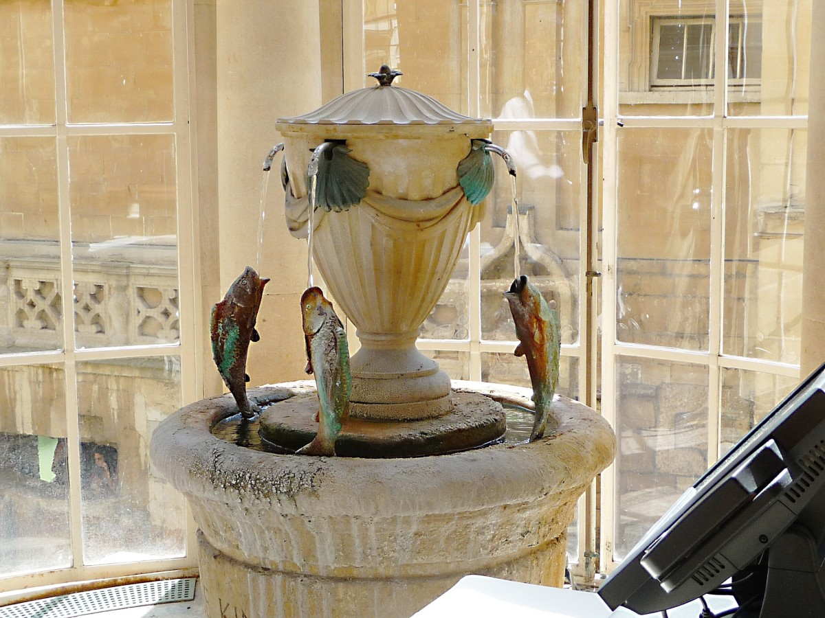 The fountain that serves hot spring water in the Pump Room Restaurant