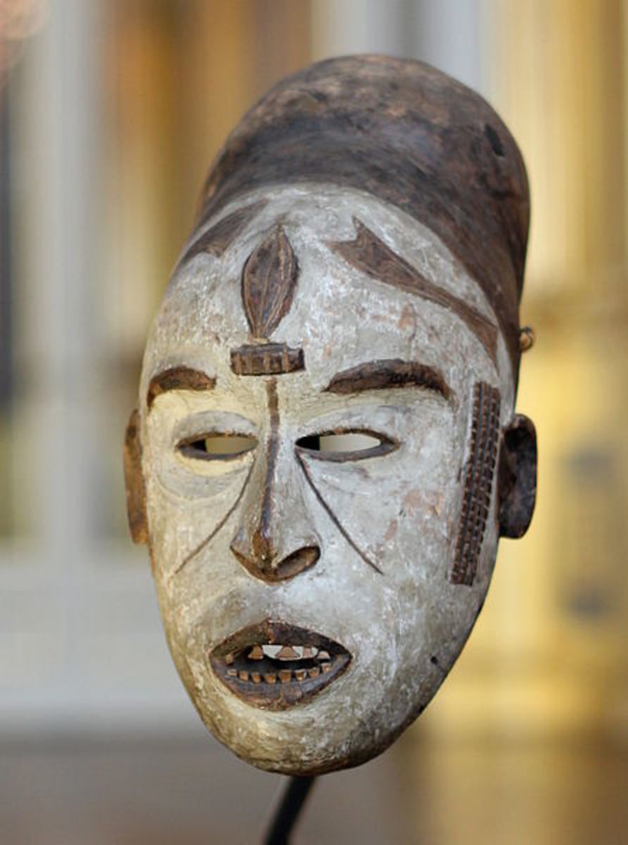 This is an ancient Nigerian mask which may represent the Moon goddess.