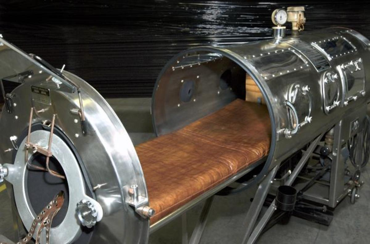 Iron Lung used to help patients breathe when their bodies couldn't do this simple task on their own.