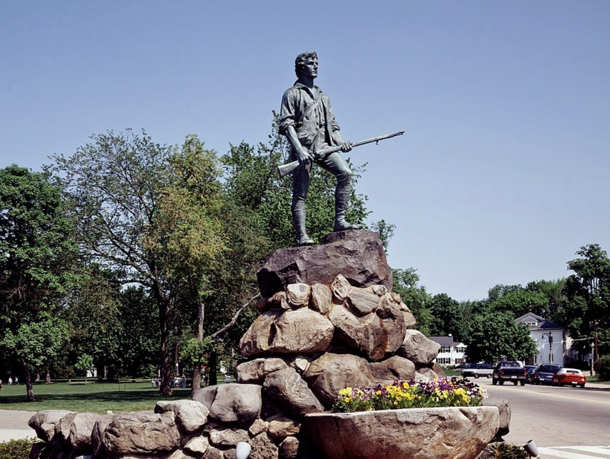 Minuteman statue, Lexington, Massachusetts.  Minutemen were militia fighters who were ready to be called into action at a minute's notice during the American Revolutionary War.