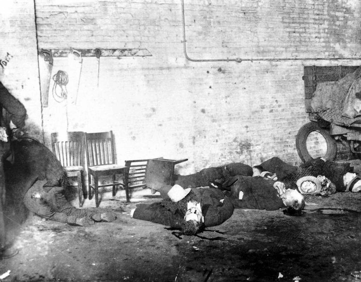 The grizzly aftermath of the St. Valentine's Day Massacre. 14 February 1929