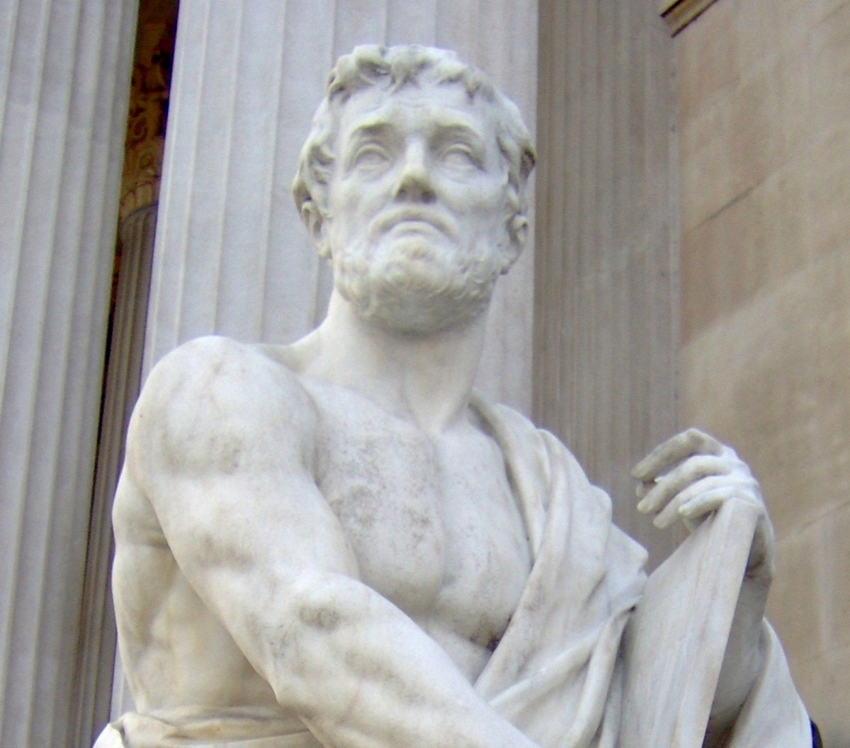Detail of a statue of Tacitus.