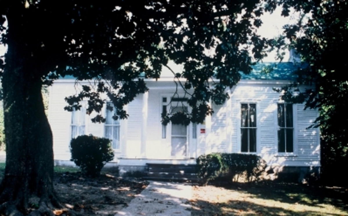 Located on the outskirts of Memphis from around 1855 until the abolition of slavery, Jacob Burkle's home became an unsuspecting refuge for escaping slaves.