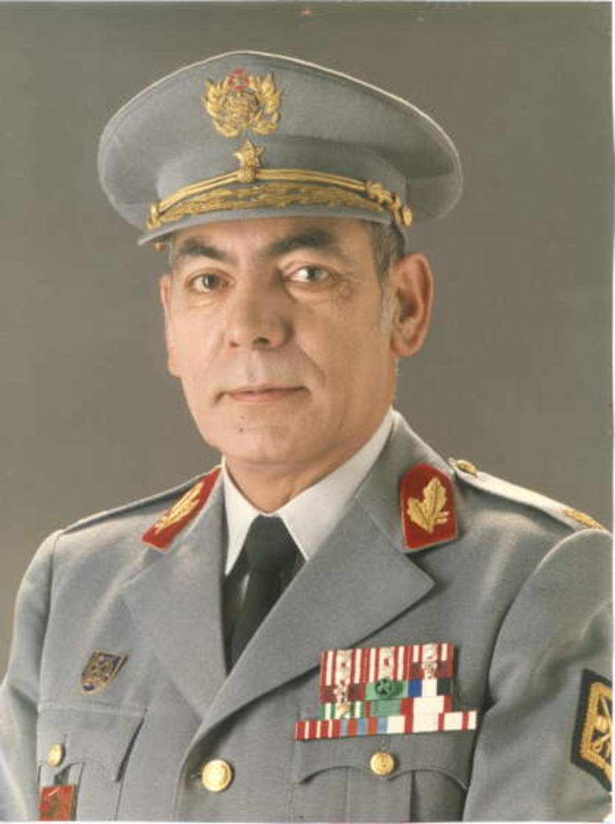 General José Alberto Loureiro dos Santos in uniform, including a peaked cap