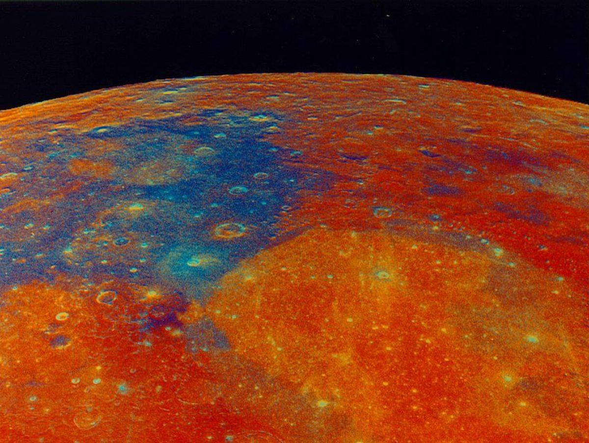 False color image of Mare Tranquilitatis and Mare Serenitatis taken by Clementine.