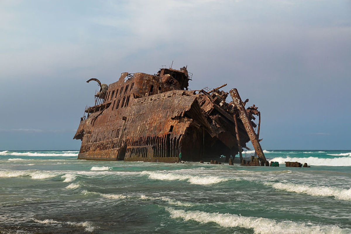 The wreck of the Cabo de Santa Maria. Photo by Simo Räsänen, courtesy Wikimedia Commons.