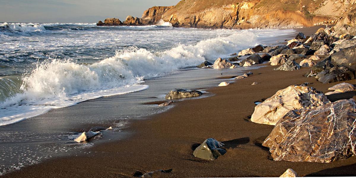 Brown Rockaway Beach
