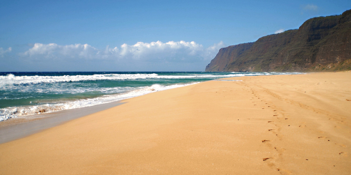 A typical yellow beach - Polihale State Park Beach on Kauai, Hawaii