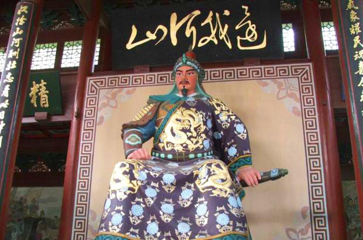 Yue Fei statue at the Mausoleum of General Yue Fei Tomb, Hangzhou.