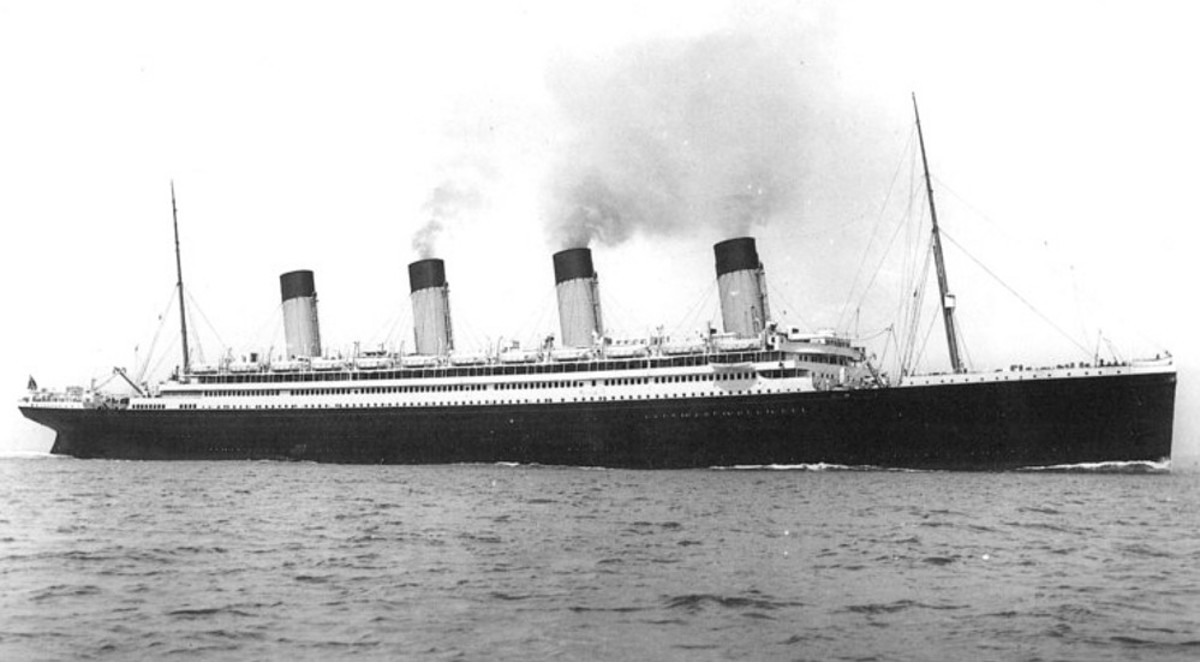 The Olympic after her refit. Notice the boat deck now full of lifeboats.