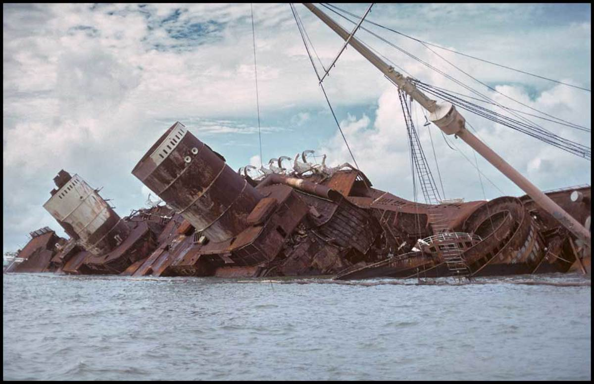 The wreckage of the Seawise University awaiting scrapping.