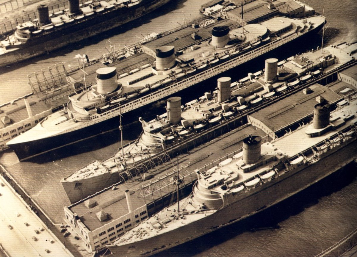 SS Normandie (left), RMS Queen Mary (center), RMS Queen Elizabeth (right). The only time the three largest liners were together.
