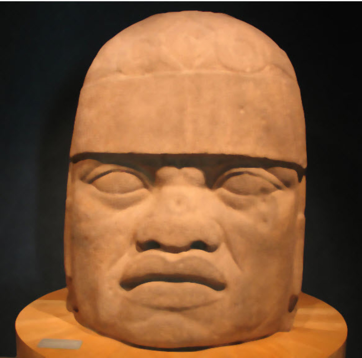 Does This Pre-Columbian Statue Depict a Man of African Origin?