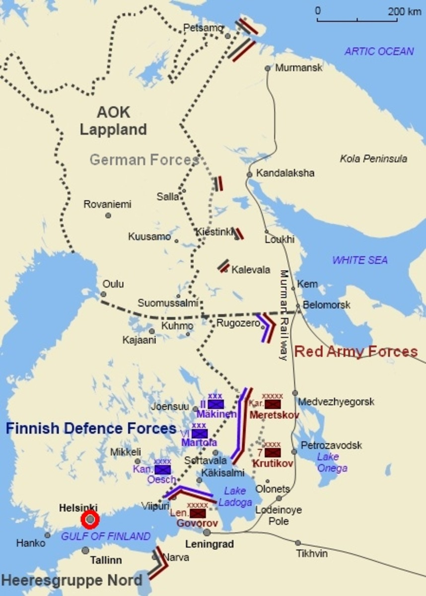 Situation in 1944. German troops in the north. Finnish troops in the south. Soviet Red Army in the east and southeast. Helsinki circled in red.