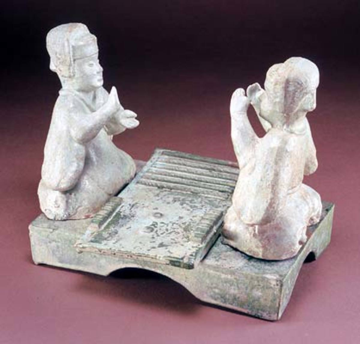 Liubo players, Han dynasty (206 BCE - 220 CE), China.