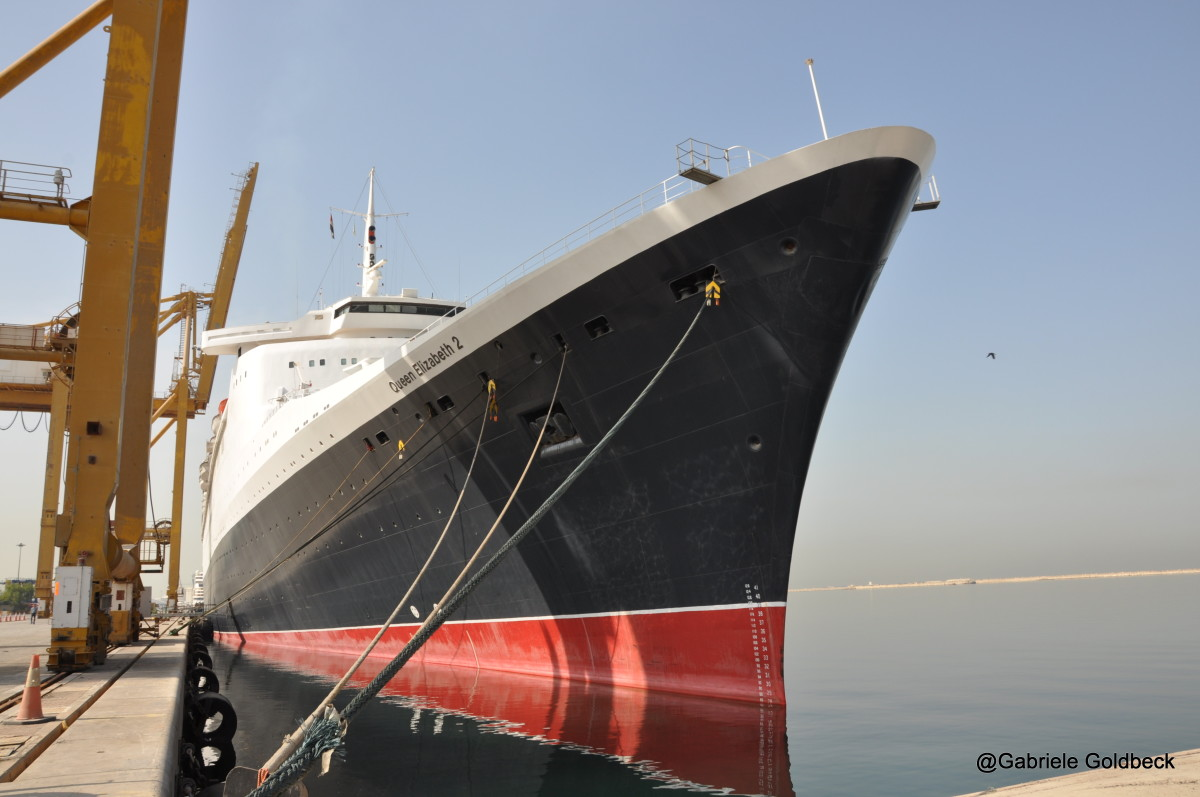 The QE2 in warm layup in Dubai.