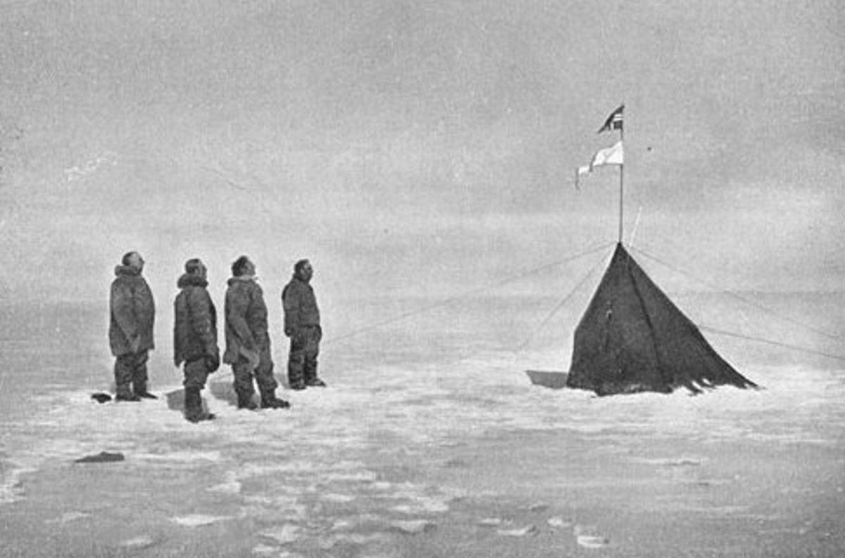 Amundsen and crew at the South Pole in 1911