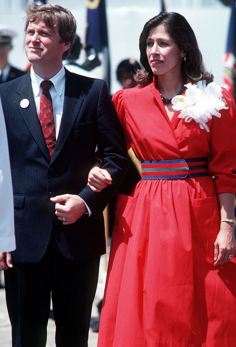 Senator Dan Quayle and his wife Marilyn attend the launching ceremony for the Aegis guided missile cruiser USS VINCENNES at Ingalls Shipbuilding Corp.in 1984.
