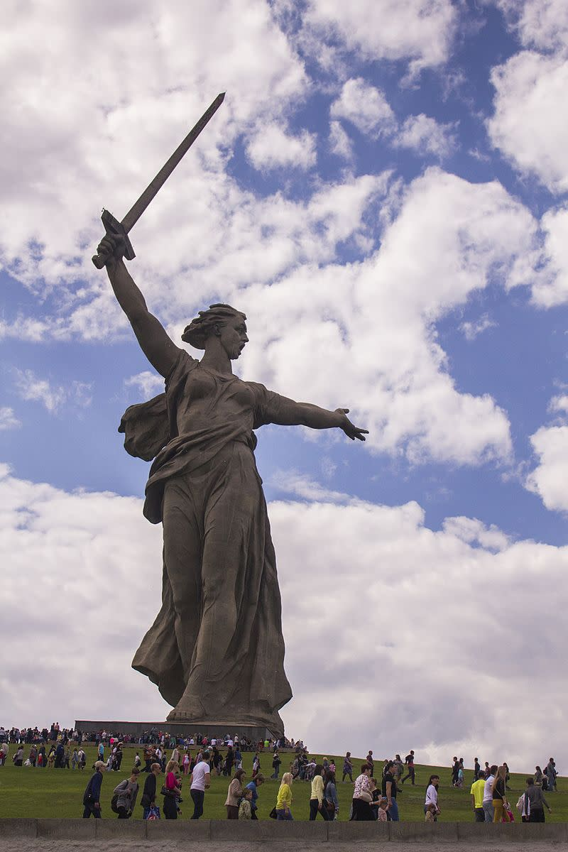 The Motherland Calls at Volgograd, a statue only to be rivaled in the scope of its daydreaming by Mel's as yet unfinished Lunchtime Lit memorial.  Ya gotta admit she's got nice nips.
