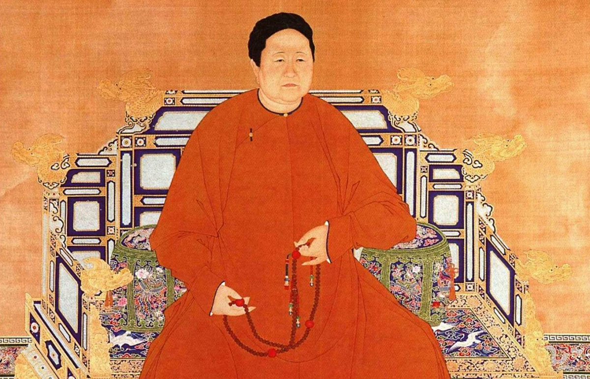 Virtuous and wise, Qing Dynasty Empress Dowager Xiaoshuang was a role model for all Chinese empresses thereafter.