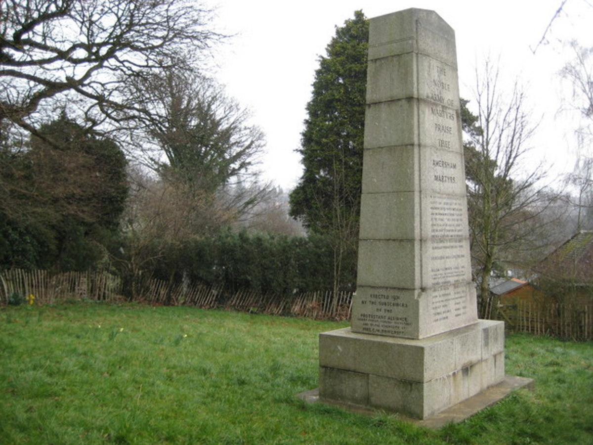 Monument erected in 1931 to the Amersham Martyrs.