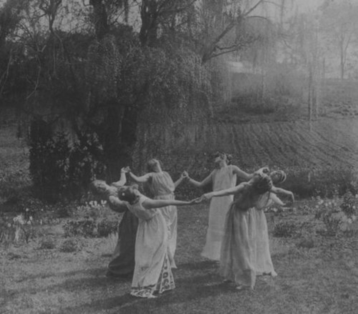 A coven of Witches (possibly similar to Thorbjorg and her sisters).