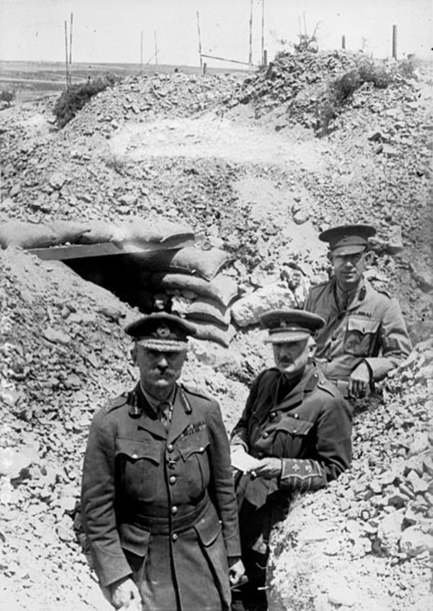 General Hamilton in a Gallipoli trench.