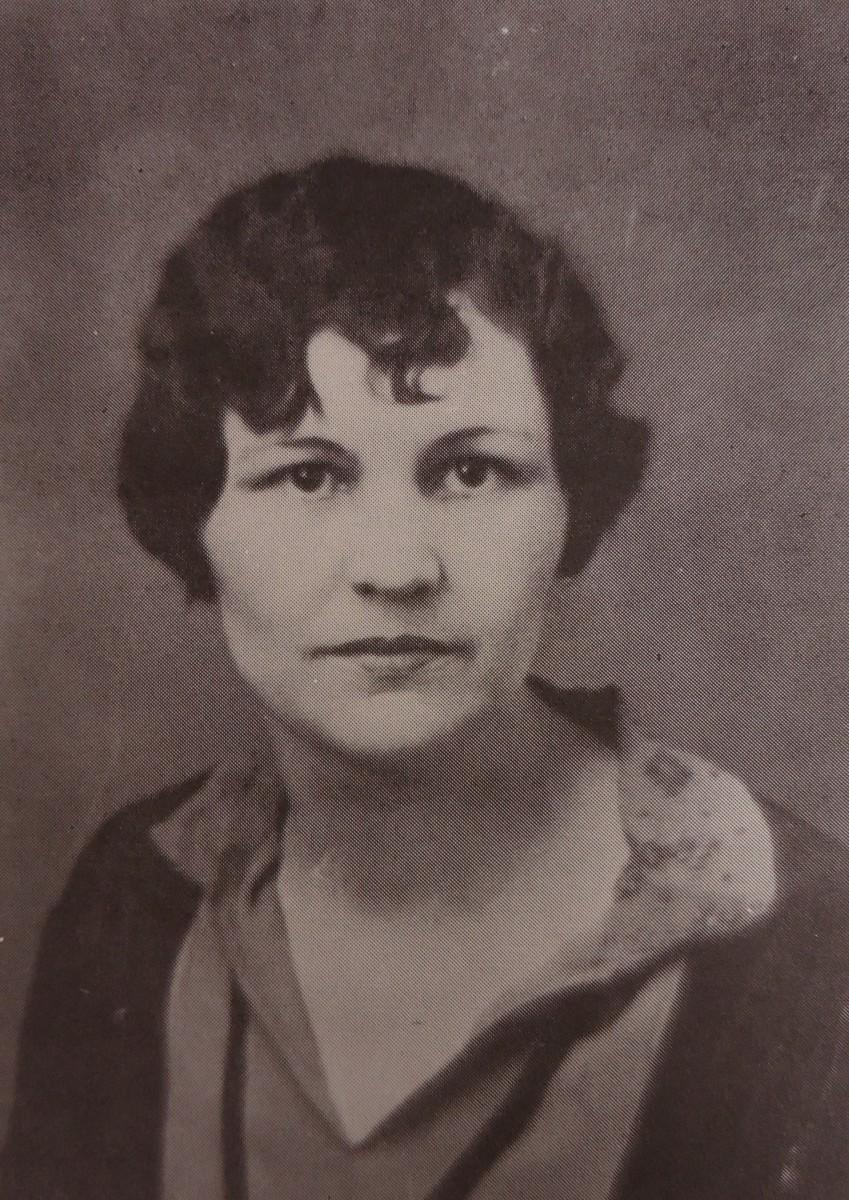 Mrs. Nora Shaw