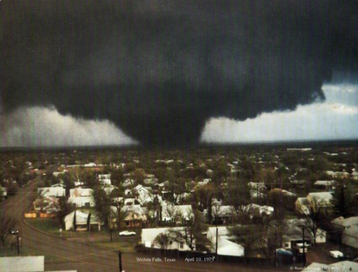 This mile-wide tornado struck Wichita Falls, Texas in April 1979 killing 44 people and injuring 1800.