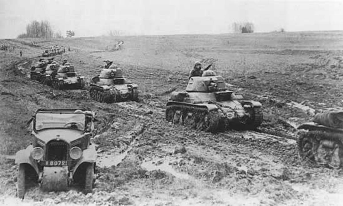 French R35s on the march. Their flaws and shortcomings tended to get projected onto the French tank force as a whole.