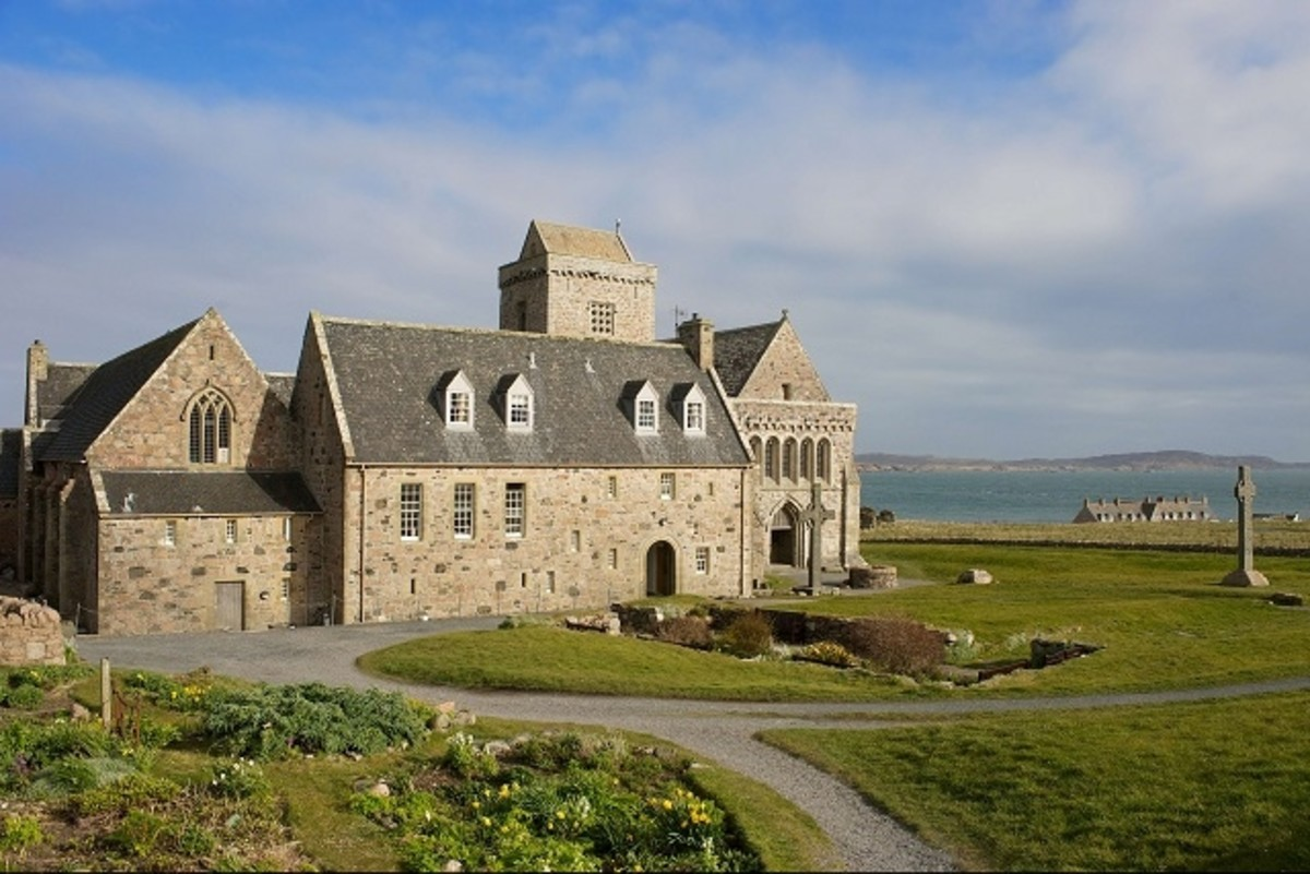 Iona Abbey (tourism board)