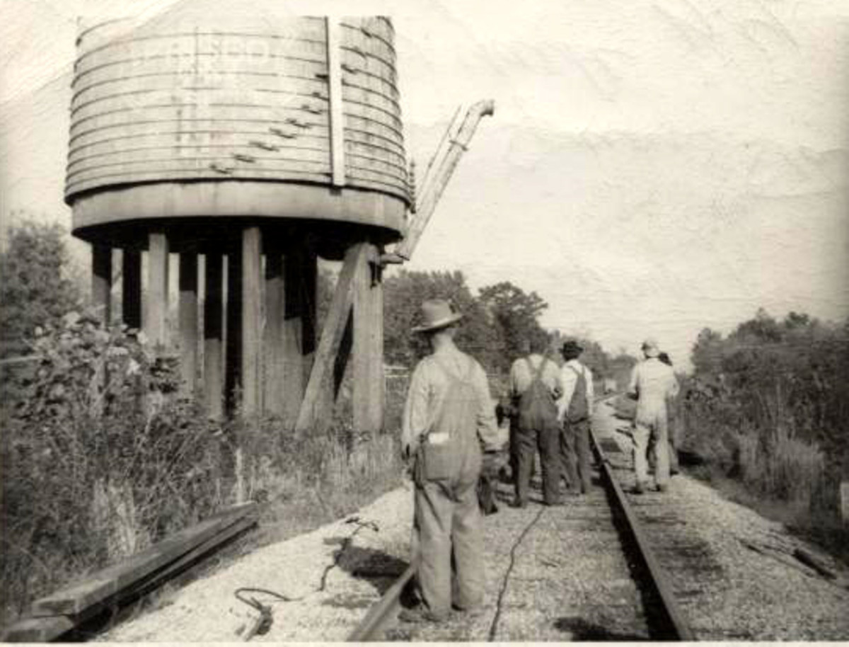 1949 removal of the Frisco water tank at Leflore,OK.