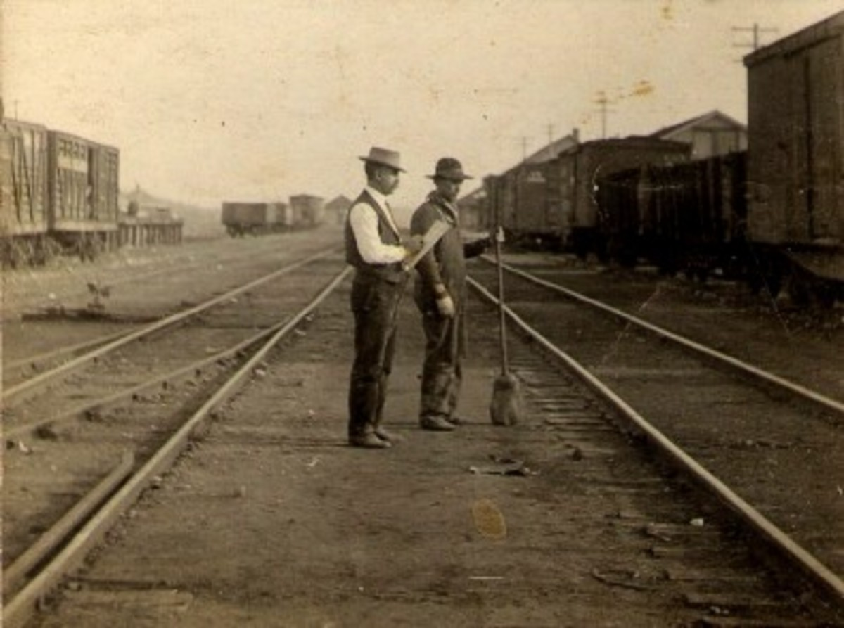 Railway workers in Heavener