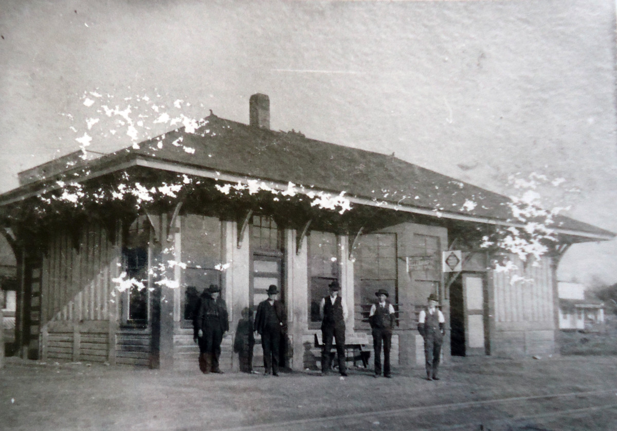 The first Frisco Depot, located where KP's Convenience Store is today.