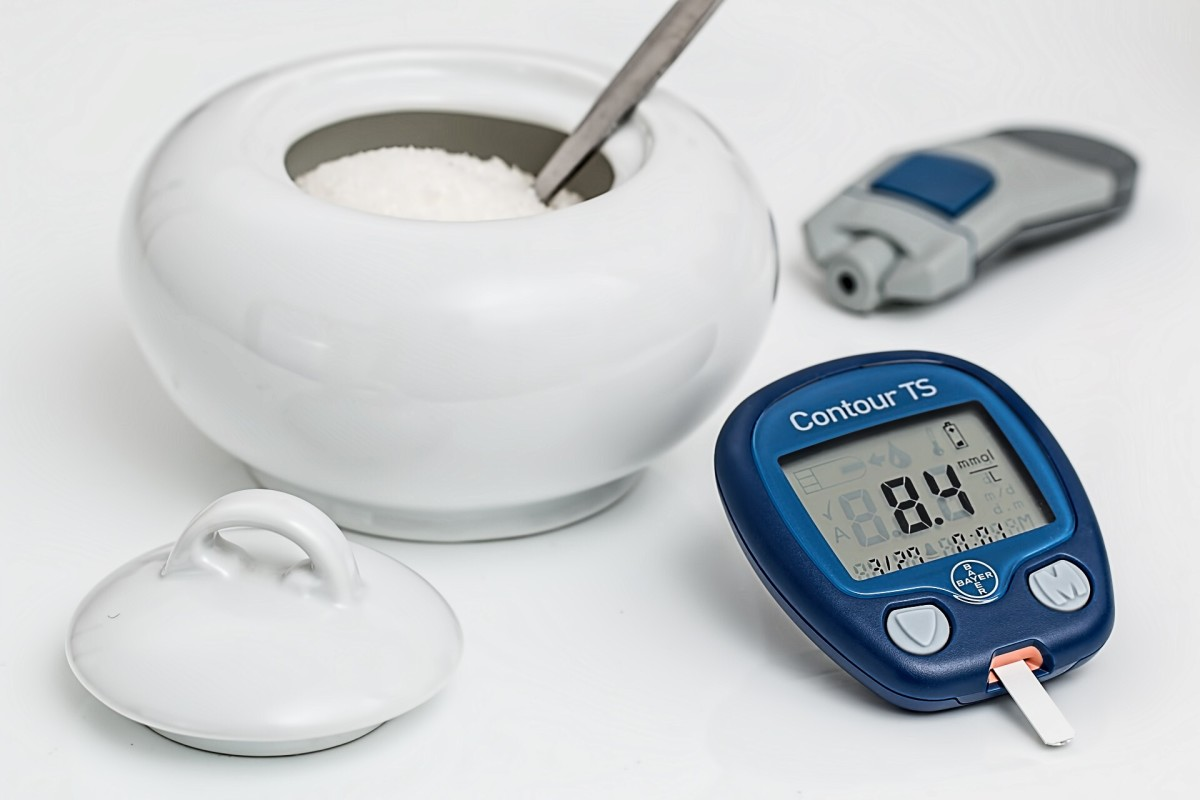 People with type 1 diabetes need to measure their blood sugar level frequently.