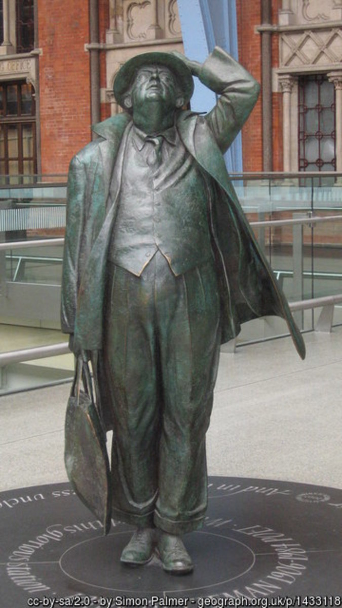 The man who saved St. Pancras. Statue of Sir John Betjeman at St. Pancras Station, London