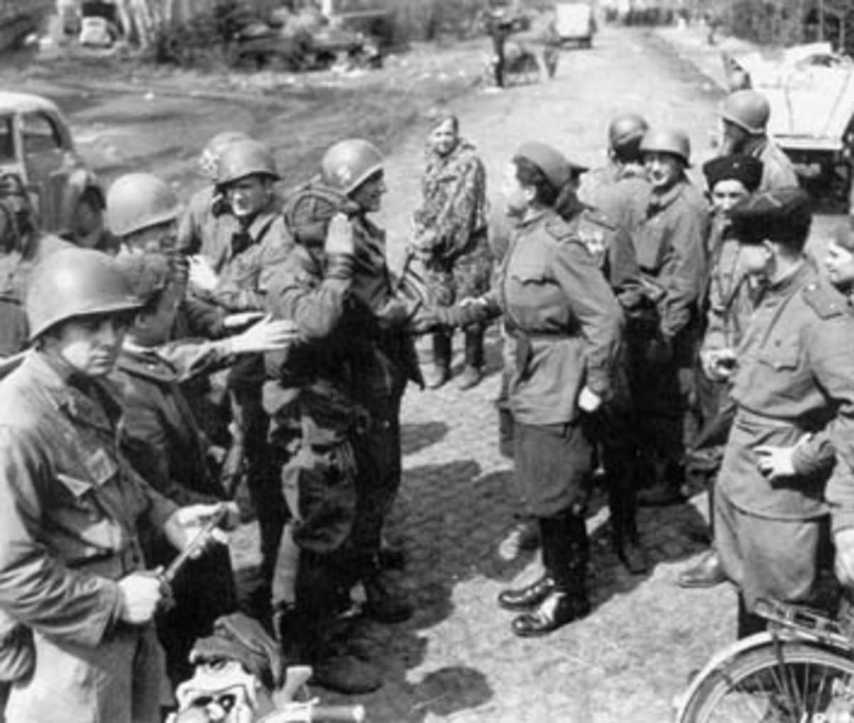 April 25, 1945, The Red Army's 58th Guards Division of the 5th Guards Army meets the U.S. 69th Infantry Division of the First Army near Torgau, on the Elbe River.