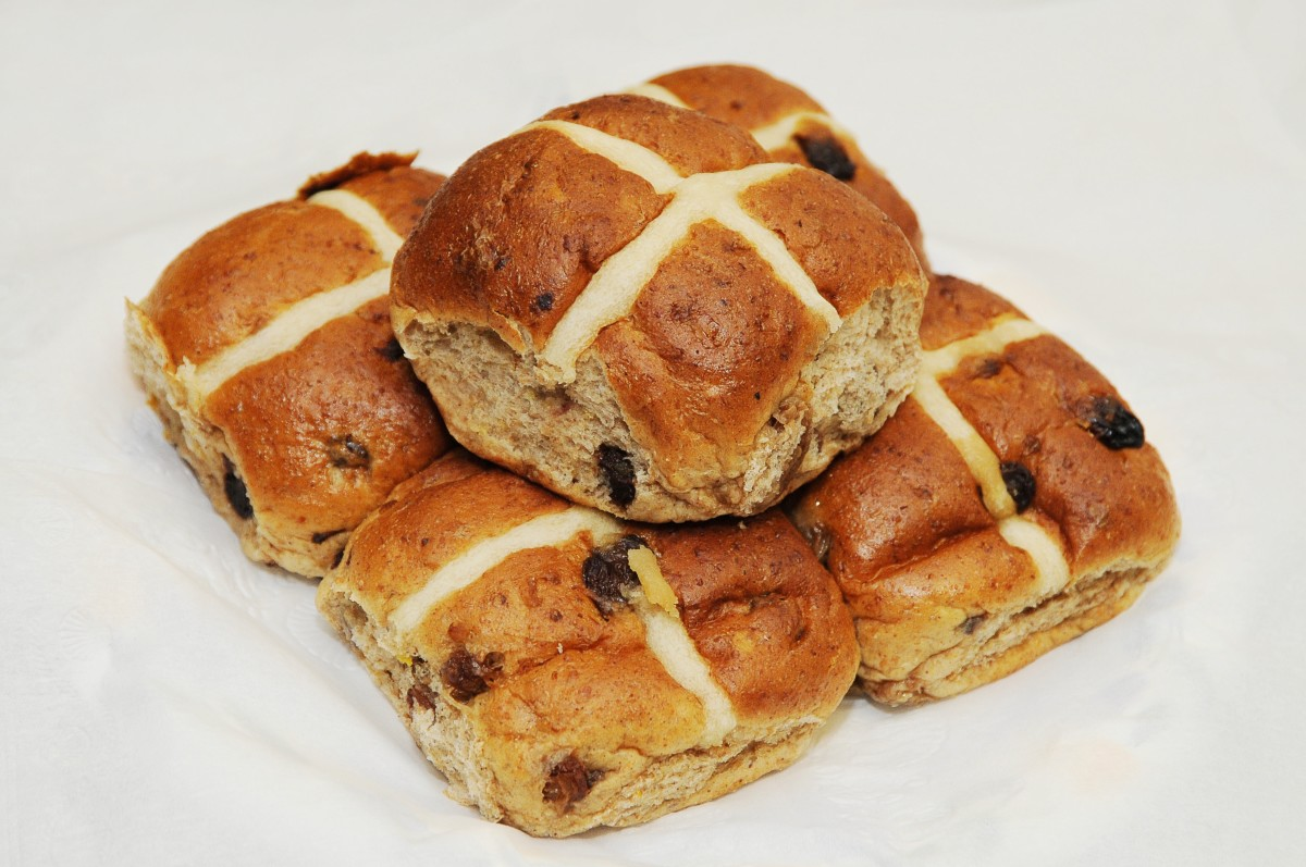 Hot cross buns as they often appear today
