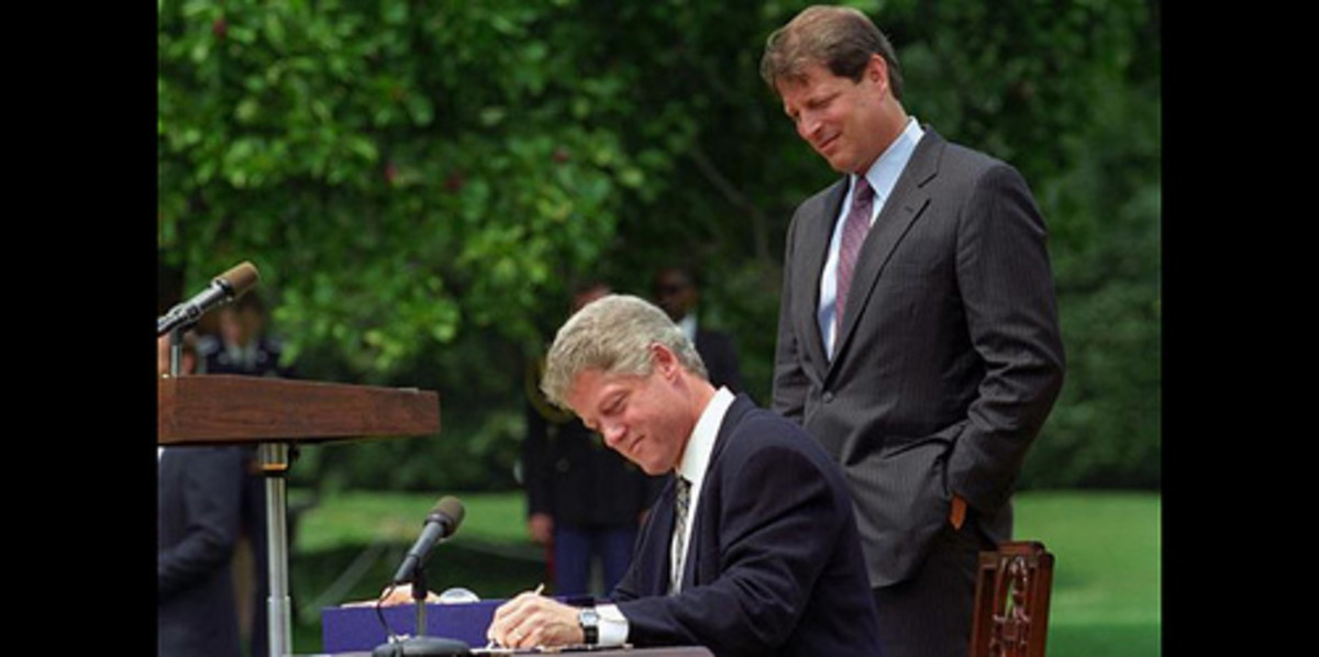 Forty-three percent of the last 14 U.S. presidents have been southpaws, including Bill Clinton.