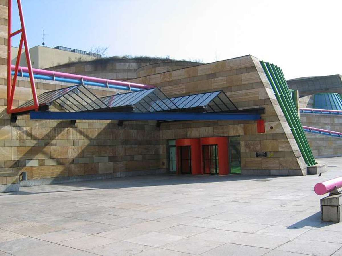 Front of the Neue Staatgalerie Stuttgart. Another example of postmodern architecture.
