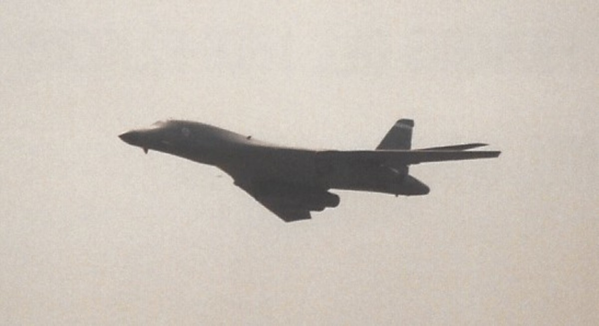 A B-1B in flight May 1998.